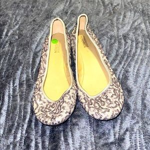 Kenneth Cole reaction sequin silver flats 9.5m
